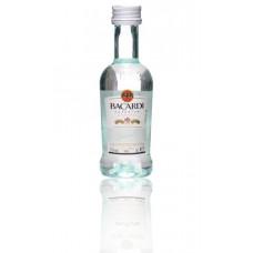 Bacardi Carta Blanca Superior Witte Rum Miniatuur flesjes Doos 12x5cl